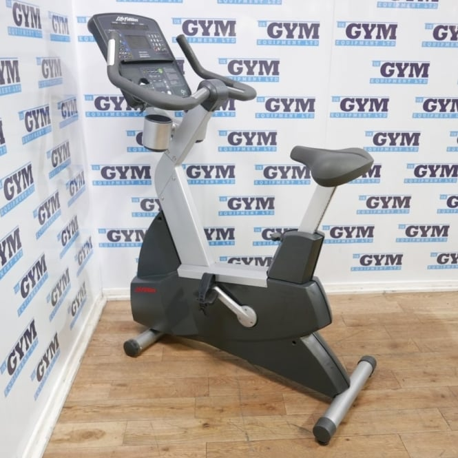 Life Fitness Refurbished 95C Integrity Series Upright Bike