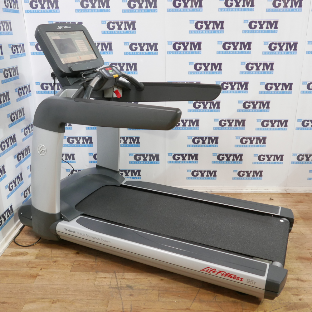 Life Fitness Treadmill Discover Si: Refurbished 95T Elevation Series Discover SE Treadmill